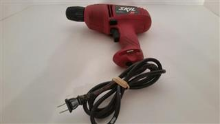 SKIL 6235 10MM CORDED DRILL 4.5A